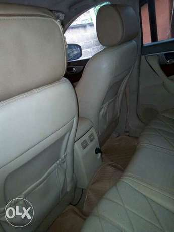 very clean used Infiniti FX50 09 with full option Apapa - image 5