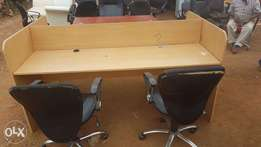 Office workstation, in very very good condition* Basically still New