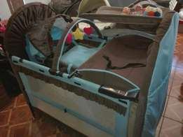 6 in 1 cot excelent condition