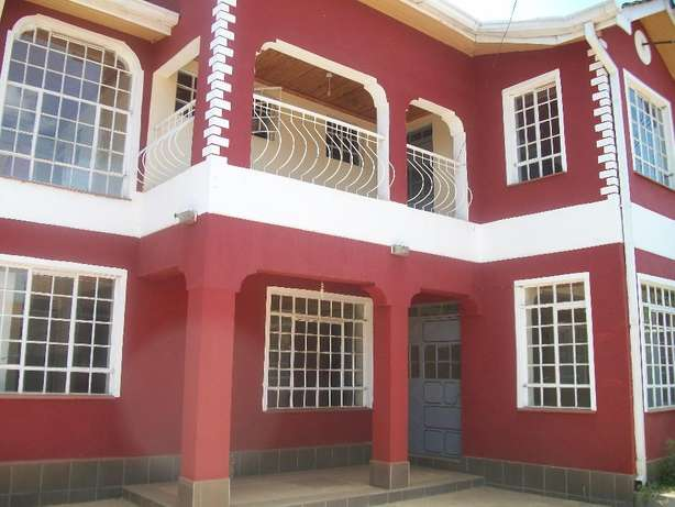 Beautiful 4 bedroom own compound with DSQ to let at Safaripark. Roysambu - image 1