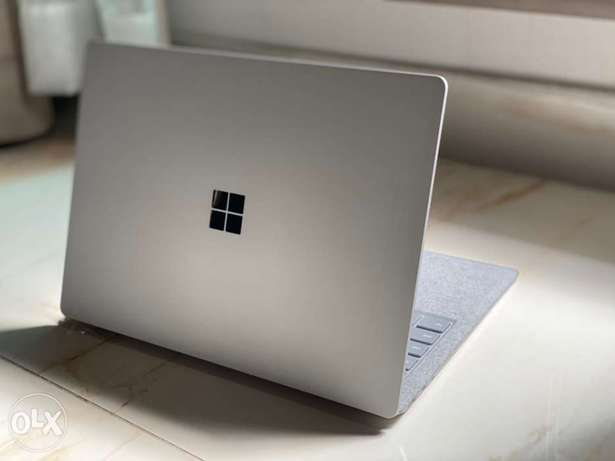 Microsoft Surface Laptop 1 Core i7-7th Gen 16GB 512SSD
