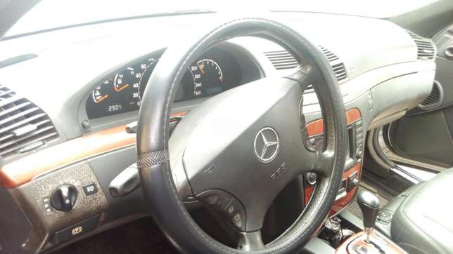 Super neat first Body Mercedes Benz S500 at give away price Surulere - image 8