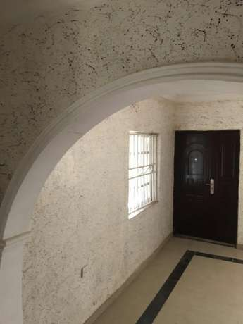 Tush 2 Bed Room Flat in Surulere Surulere - image 2