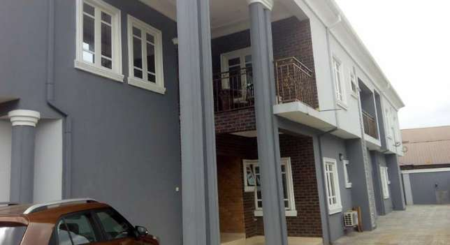 CLASSY 3 Bedroom Flat with the best interior&exter. in Peter Odili PH Port-Harcourt - image 1