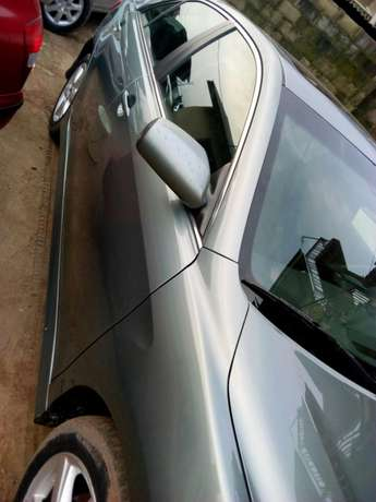 Extremely clean Toyota Camry sport Edition Lagos - image 4