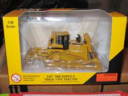 Cat Track type Tractor 1:50 Scale