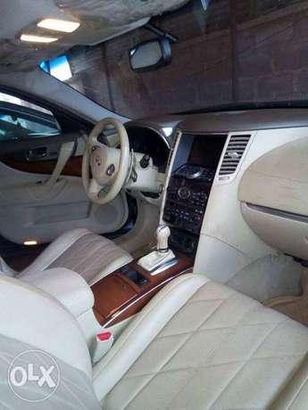 very clean used Infiniti FX50 09 with full option Apapa - image 3