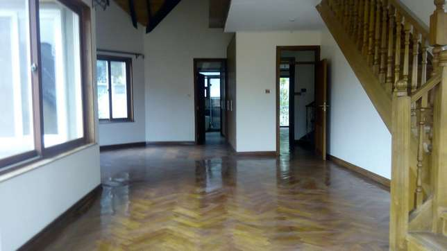 A 5 bedroom townhouse spacious rooms for letting letting. Westlands - image 2