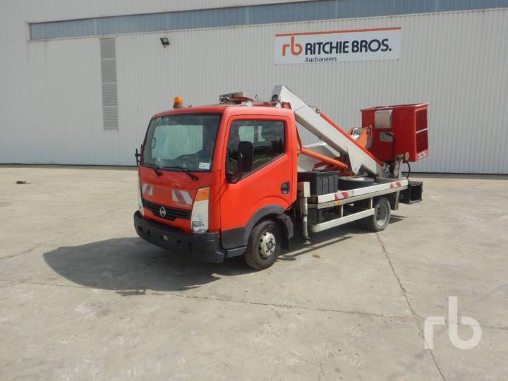 Nissan CABSTAR 35.11 w/Multitel MX200 20 m - 2008