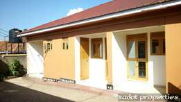 Amazingly graceful self-contained double in Bweyogerere at 300k
