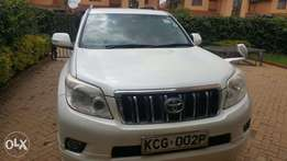 Toyota Prado 150 model 2010 2.7cc petrol on quicksale