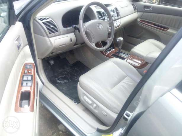 Toyota Camry V6 xle foreign used 2006model for Sale Ikeja - image 3
