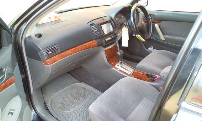 Toyota Premio Lady Owned Embakasi - image 3