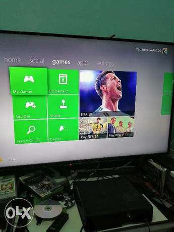 Xbox 360 Flush modded Slim 250 gb free 21 games cds القطيف -  3