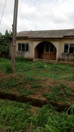 3 bedroom bungalow for sale Ojokoro - image 1