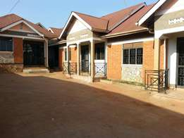Two bedrooms, self contained at 400000per month on Gayaza road.