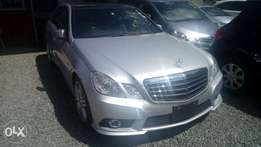 E250 Mercedes-Benz E250 fully-loaded with sunroof and rare camera