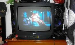 R780 Old Lg 17 Inch TV,colour tv Excellent condition no problems