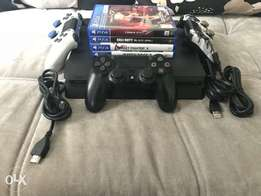 Sony PlayStation4 slim, 3 Controllers, 4games