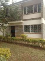 Selling 4 Bdrms Maissonnet House + SQ corner plot located in Lavington