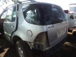 Mercedes ML270 for stripping