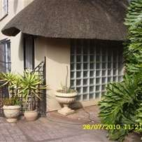 Available 1 May. Modern, Spacious penthouse, 2 bed 2 bathrooms - rent