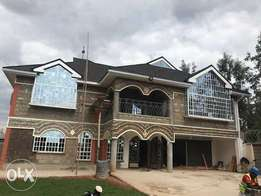 Cozy 6 bedroom mansion in Muthaiga suburb-Nanyuki area with a title.