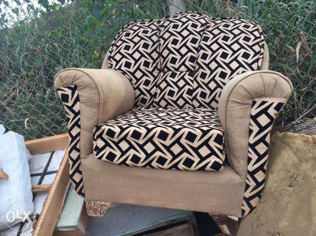single chair on quick sale Kampala - image 1