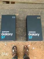 brand new samaung galaxy s7 silver and gold for sale
