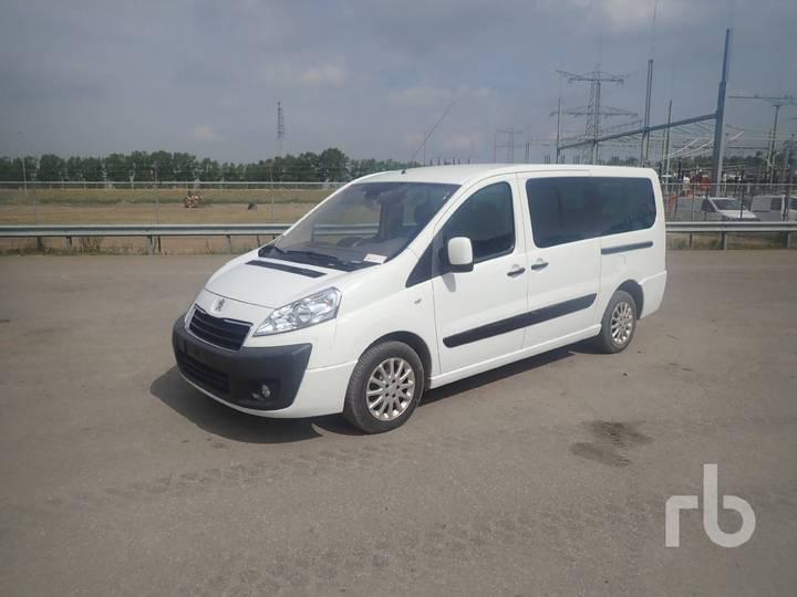 Peugeot EXPERT TEPEE 8 Passenger