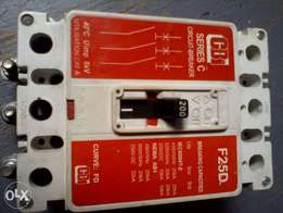 i am selling circuit breaker 200 Amps