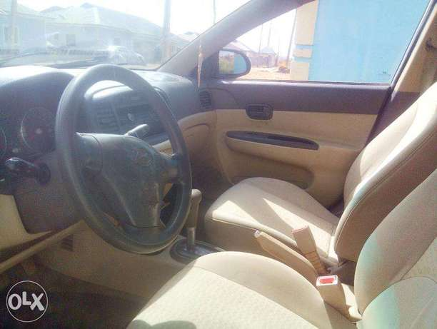 Very Clean Hyundai Accent 2008 for urgent sale. cool a/c Buy and Drive Abuja - image 4