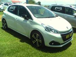 Peugeot 208 GT-Line 1.2 Pure-tech Turbo Manual