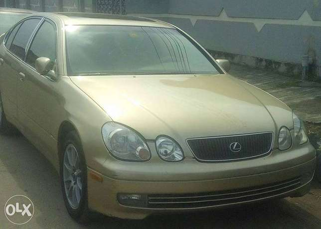 CLEAN Tokunbo GS300 00, automatic, leather interior for N1.950m Surulere - image 2