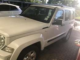 Jeep Cherokee 2011 good driving at give away price