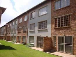 Looking for a female room mate to share a 2 Bedroom near Eastrand mall
