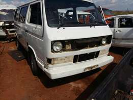 Caravelle T3 2.3I for stripping