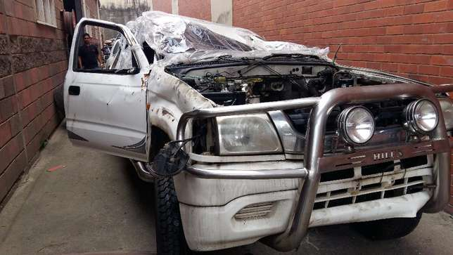 2002 Hilux KZTE , now Stripping for Spares Durban North - image 3