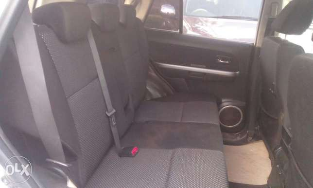 Suzuki Escudo good condition South B - image 7