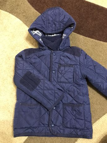 Демісезонна куртка для хлопчика 4-5 р.  180 грн. - Одяг для ... 9b4a759c3f61d