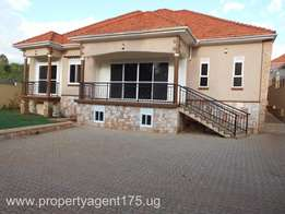 On Sale!! Kira 450m 4bedrooms 4bathrooms ( sitted on 18 decimals) +a B