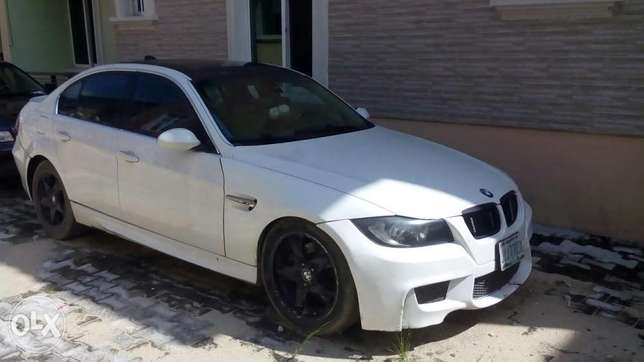 Extremely clean reg 2006 bmw 5 series Lagos Mainland - image 2