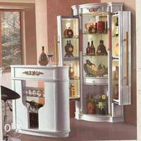 White Adjustable Wine Bar With Front Canter
