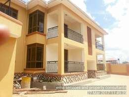 A precious apartment just ready for rent at only 800,000. Along mbalwa