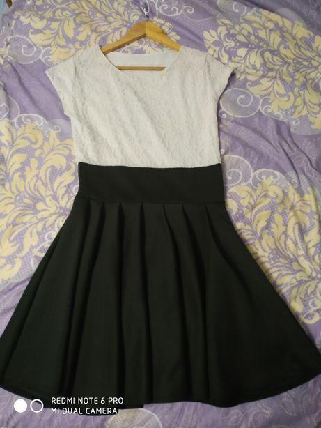 3edd8ccc141e17 Sukienka rozkloszowana galowa koronka biała czarna S/M Nowa Chełm - image 1
