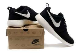 Nike Roshe Trainers/shoes