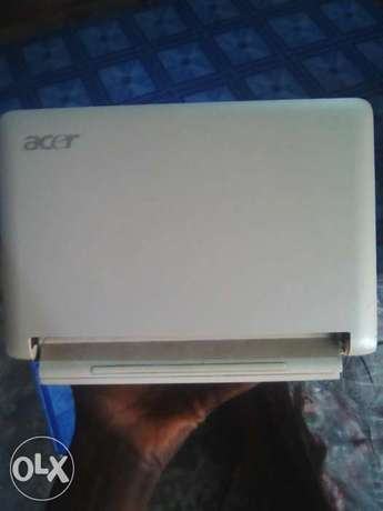 Clean acer laptop for sale or swap with phone Osogbo - image 1