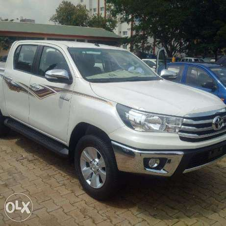 Beand New Toyota Hilux 2017. Its VVTi 2.7 at relatively low price Wuse II - image 1