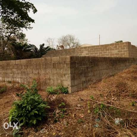 For sale uncompleted twin bungalow of 3bedrooms at asaju estate akobo Akobo - image 2