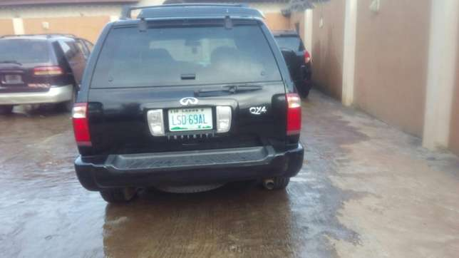 Check this Nissan infinity QX4 out a/c auto drive leather seat alloy Ikeja - image 1